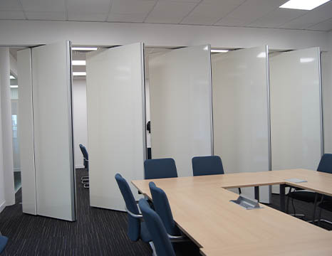 MG100 - Movable Acoustic Walls Meeting Room Installation