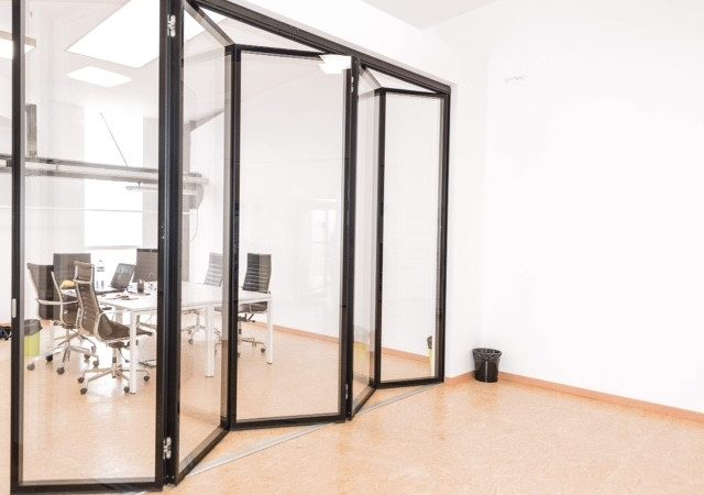 moveable walls crating an orderly office space